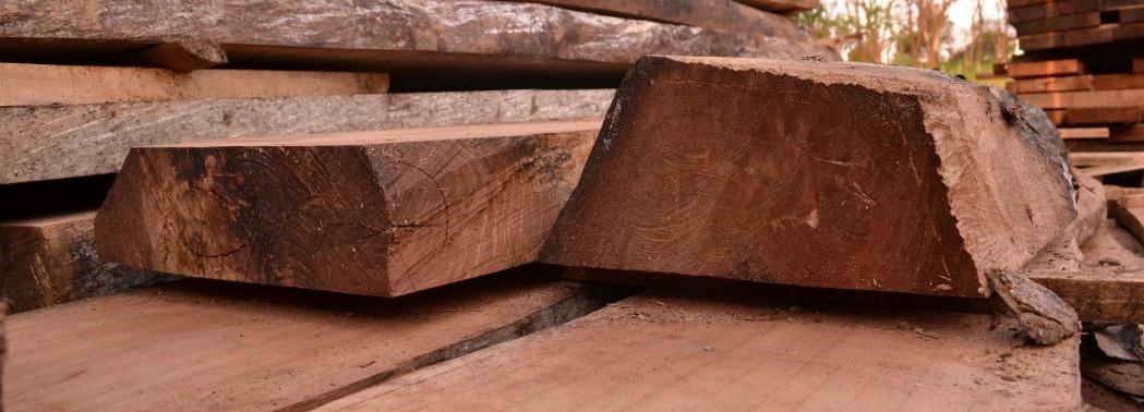 wood-446277_1920
